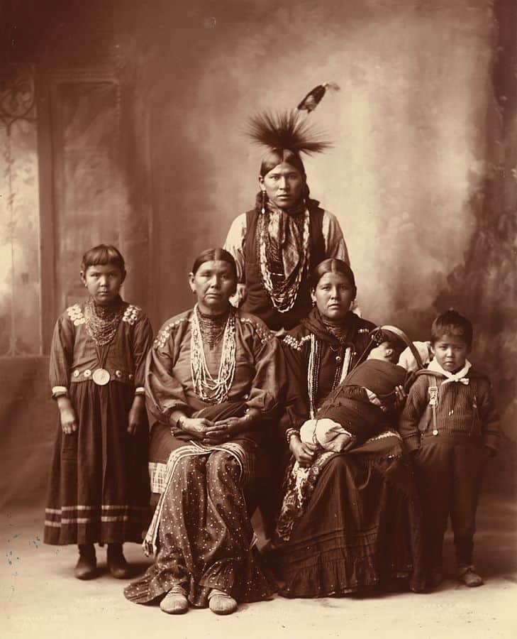 Sauk Indian family of photographed by Frank Rinehart in 1899
