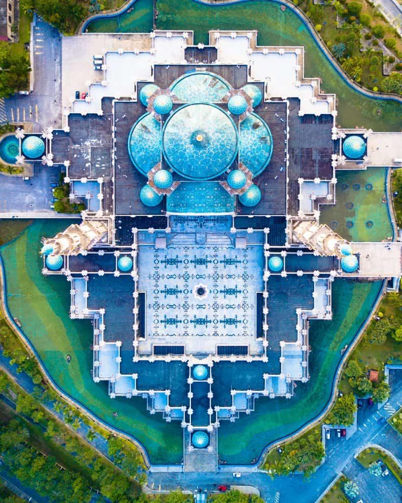 Photo of the Wilayah Mosque, Kuala Lumpur, Malaysia.